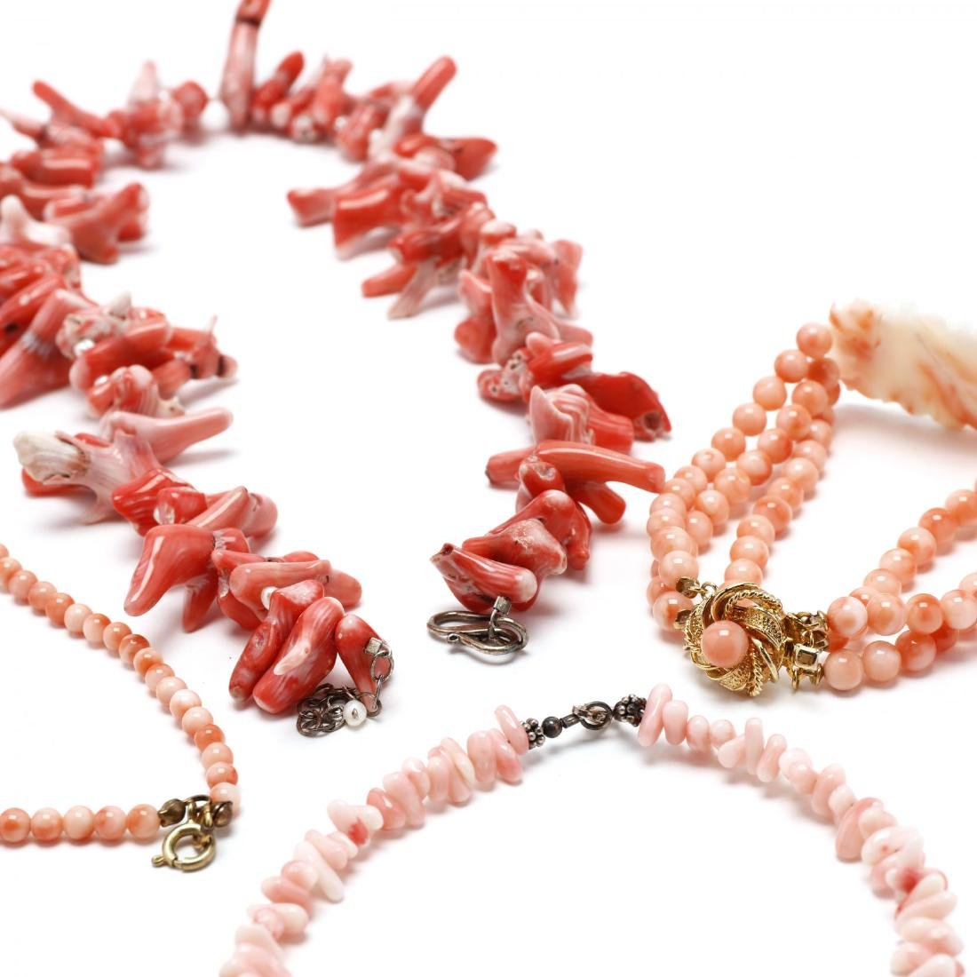 Five Coral Bead Jewelry Items - 3