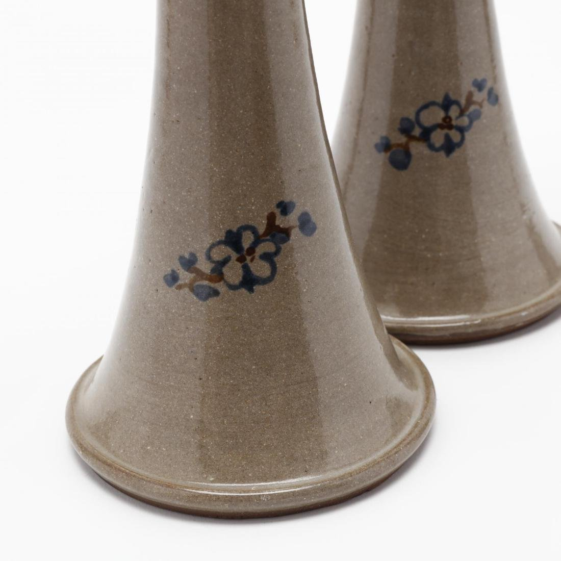 A Pair of Jugtown Ware Pottery Candlesticks - 3