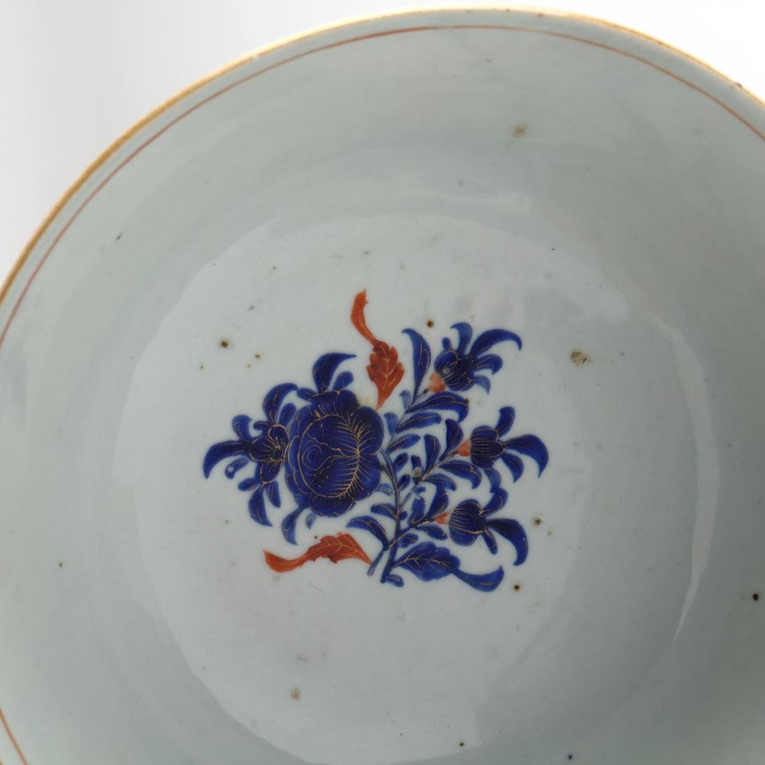 A Pair of Chinese Export Porcelain Bowls - 6