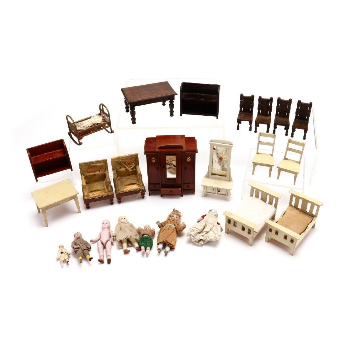Edwardian Tudor-Style Doll House - 8