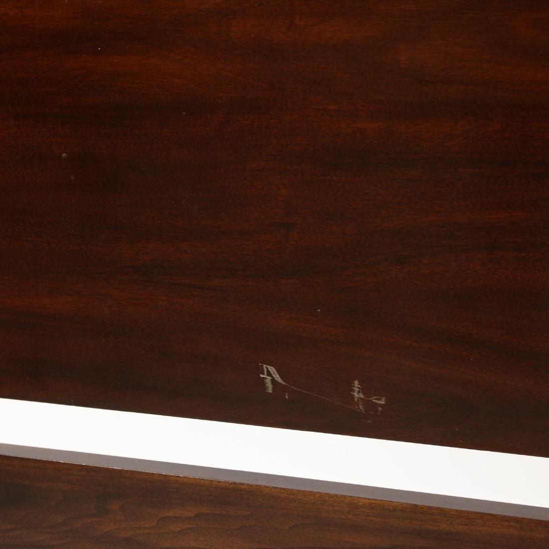 Henkel Harris, Queen Size Mahogany Tall Post Bed - 3