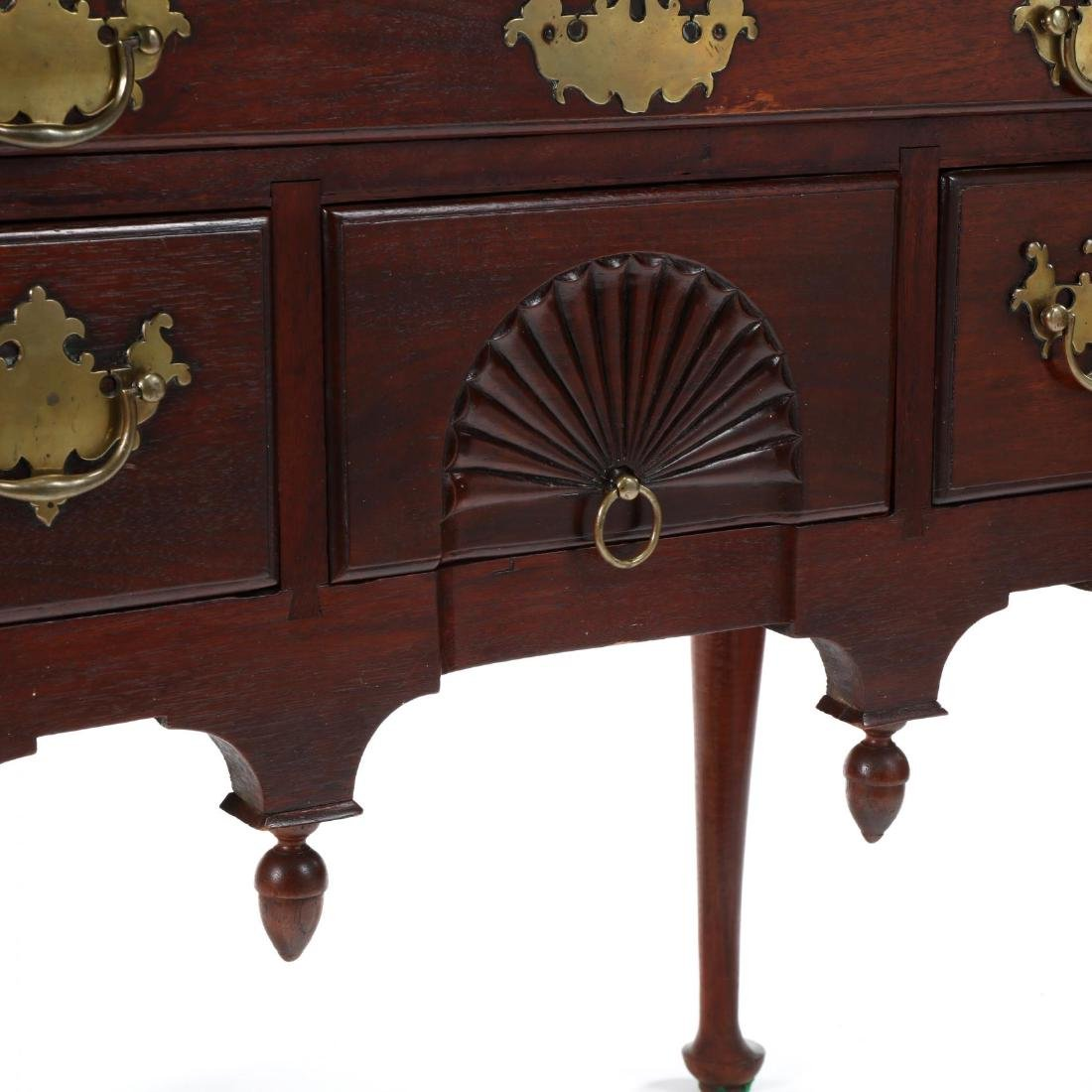 New England Queen Anne Walnut Dressing Table - 4