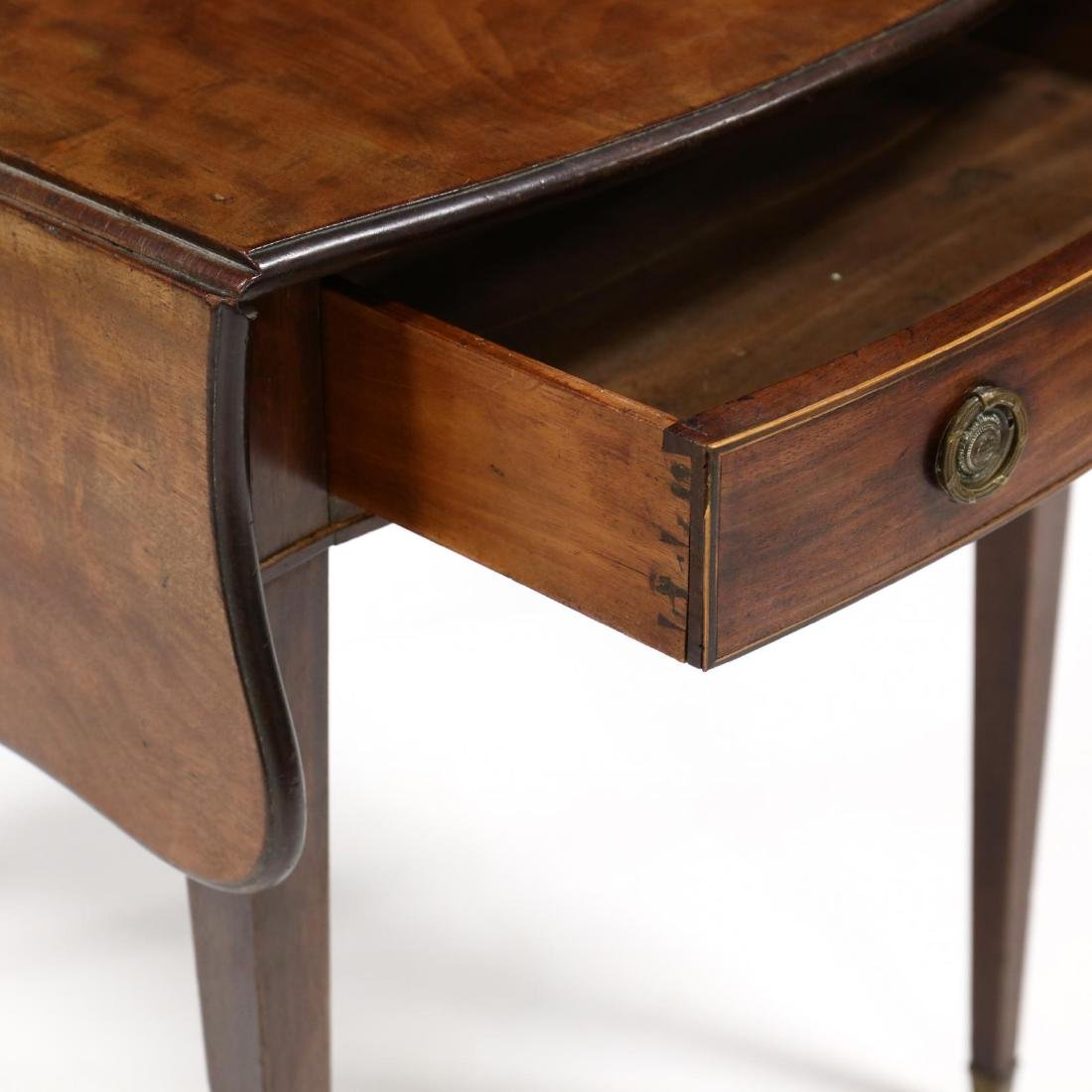 George III Mahogany Bow Front Pembroke Table - 3