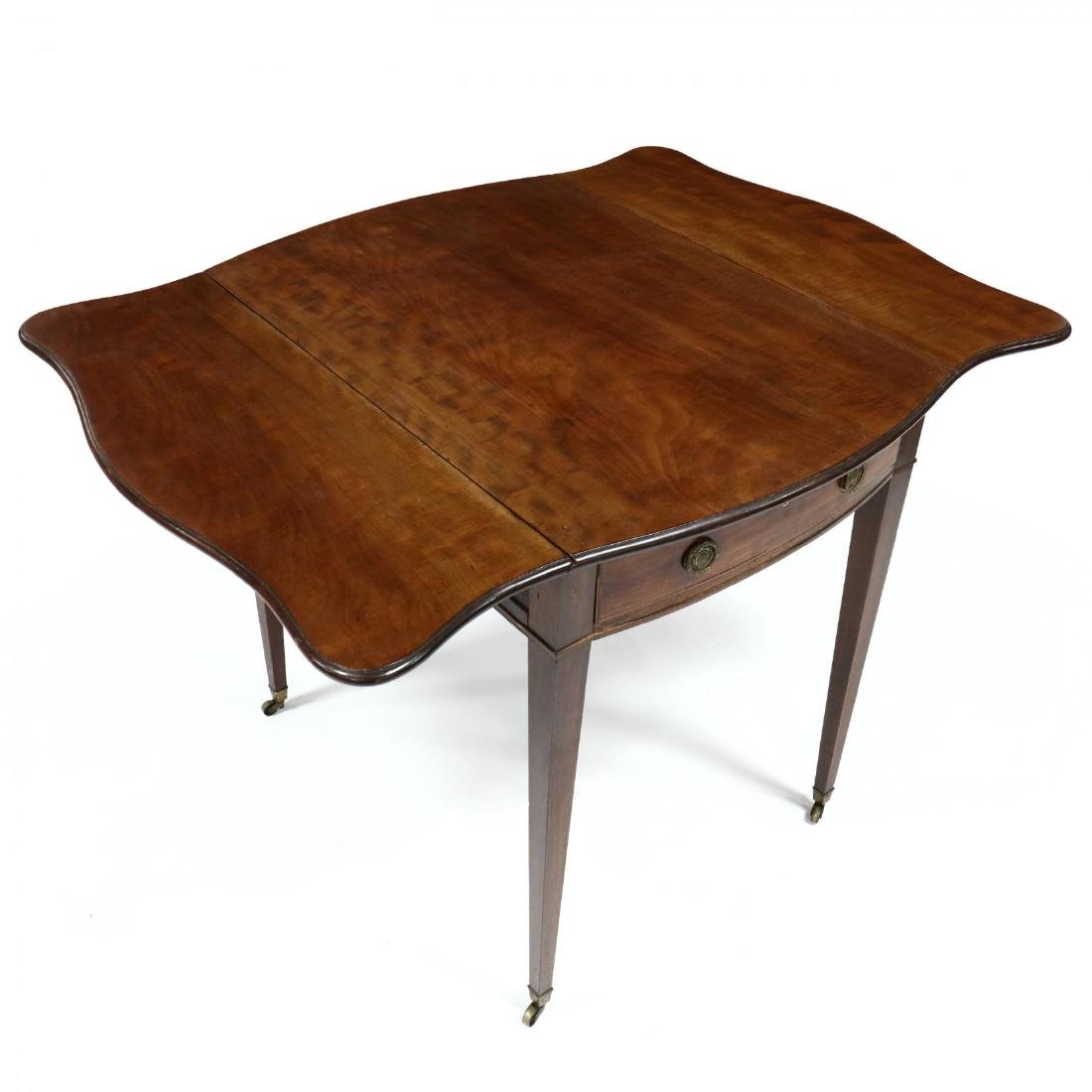 George III Mahogany Bow Front Pembroke Table - 6