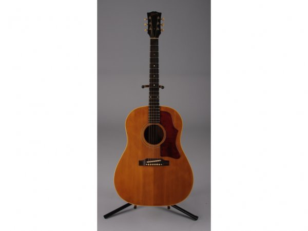 1015: Vintage 1964 Gibson J-50 Flat Top Acoustic Guitar