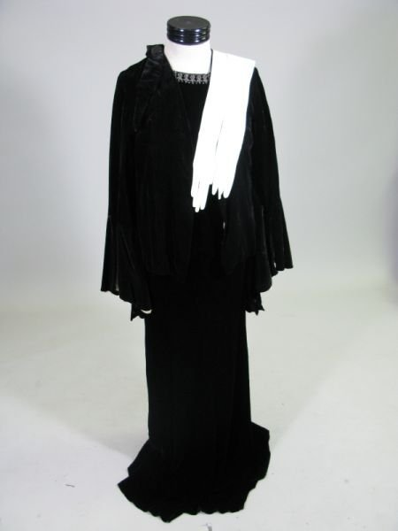 1015: Vintage Velvet Short Coat, Velvet Dress & Gloves,