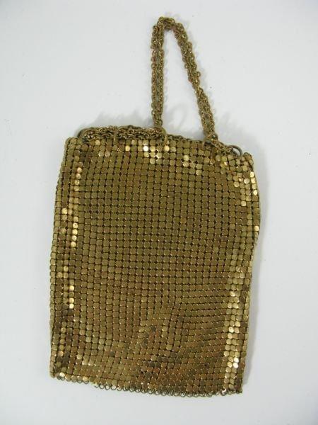 1022: Vintage Gold Toned Mesh Miser Purse,