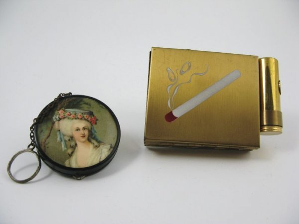1023: Two Vintage Ladies Compacts,