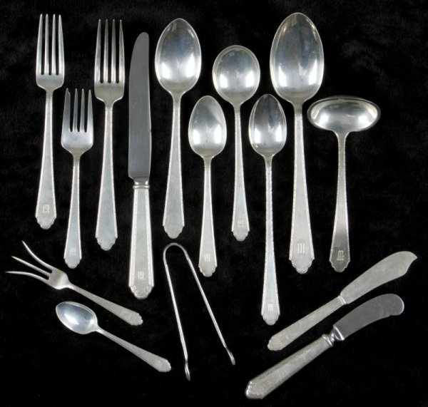 "506: Lunt ""William and Mary"" Treasure Sterling Flatware"