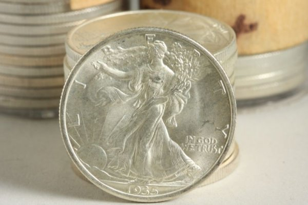 938: 42 BU Walking Liberty Half Dollars, - 2