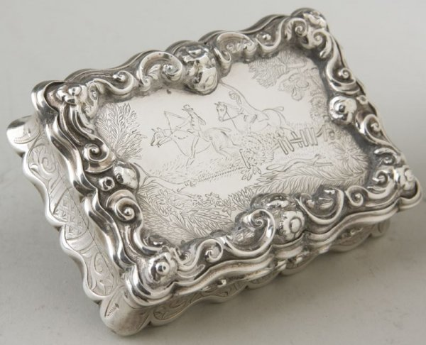14: Sterling Silver Snuff Box with Hunt Scene, English