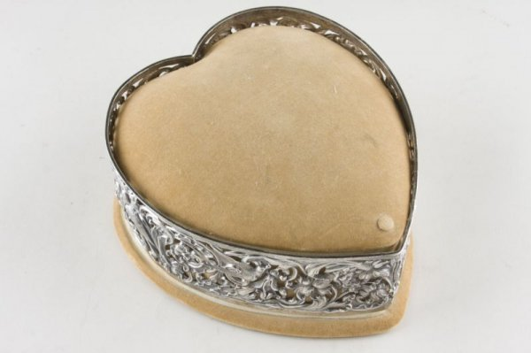 9: Victorian Sterling Silver Heart Form Sewing Box,