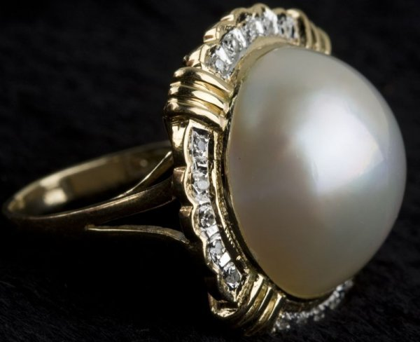 22: 14KT Yellow Gold, Diamond, and Mabe Pearl Ring,