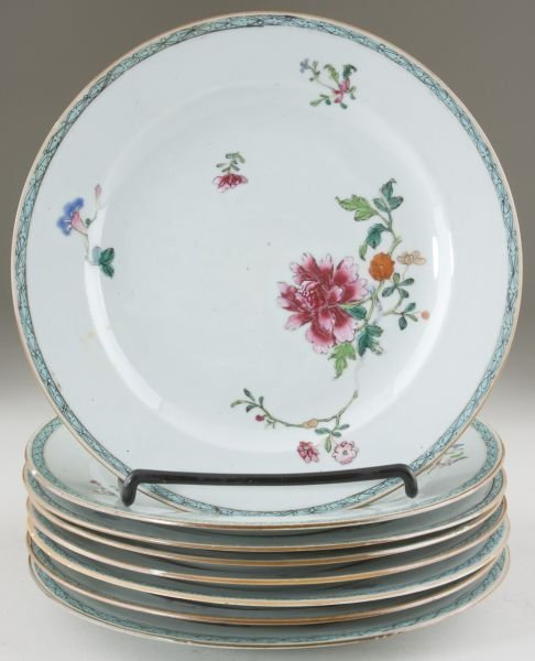15: Set of Eight Chinese Export Porcelain Plates
