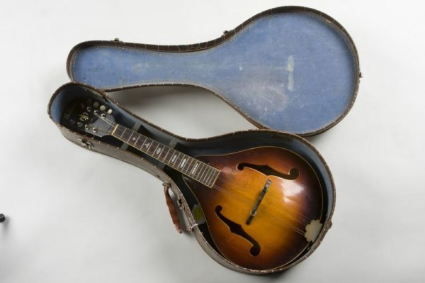 667: Early Vintage Gibson A-50 Mandolin - 7