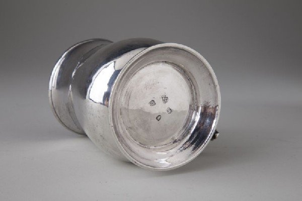 8: George III Sterling Silver Tankard - 3