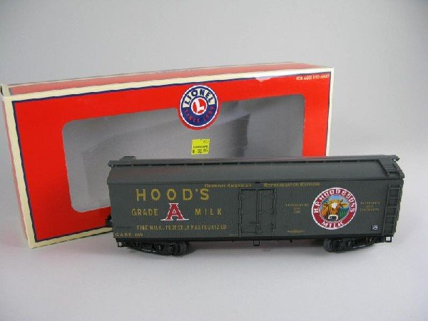9: Lionel 17331 Hoods Milk Car