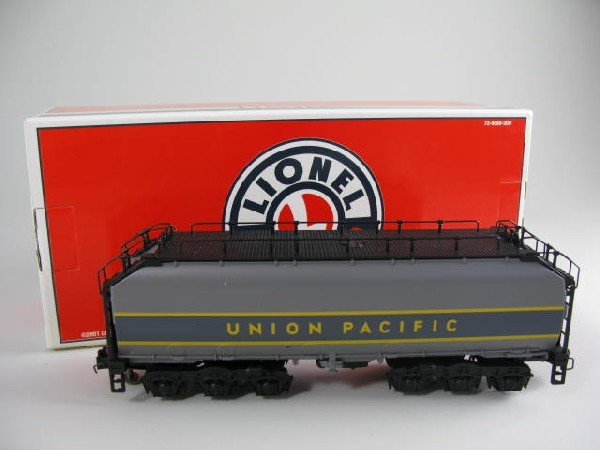 18: Lionel 38008 UP Challenger Auxiliary Gray Tender