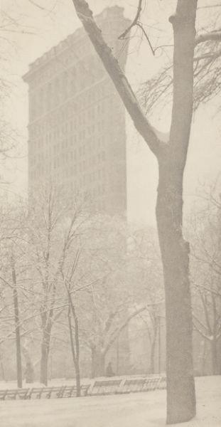 "46: Alfred Stieglitz (Am., 1864-1946), ""The Flat Iron"""