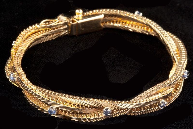 118: Gold and Sapphire Bracelet