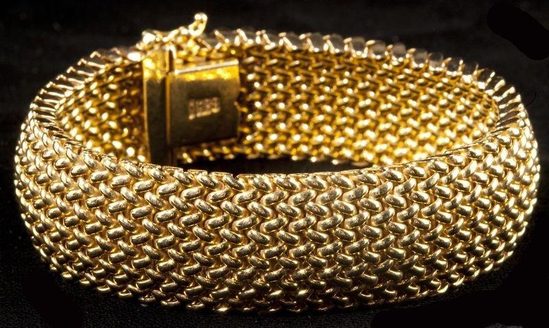 119: Gold Mesh Bracelet, Unoaerre