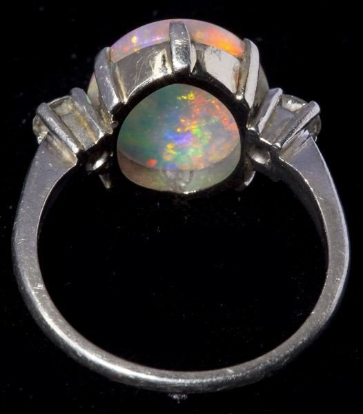 620: Platinum, Opal and Diamond Ring - 2