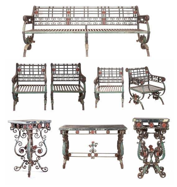 624: Set of Wrought Iron Garden Furniture