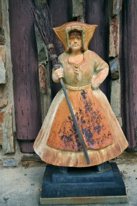 Cast Iron Dutch Girl