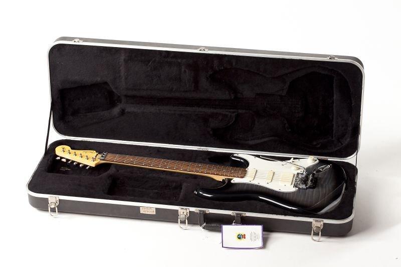 55: Fender Stratocaster, made in Japan - 4