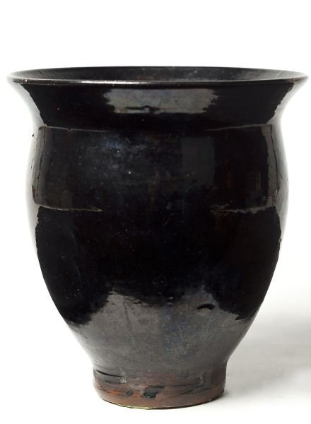133: NC Pottery Early Jugtown Vase