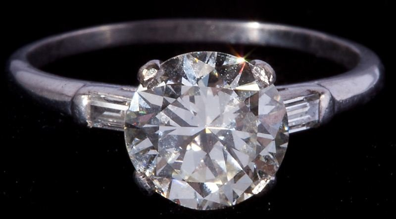 406: Platinum and Diamond Ring