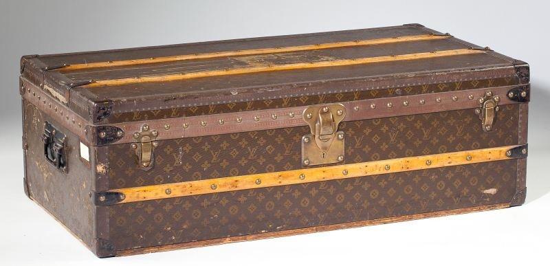 382: Vintage Louis Vuitton Footlocker Trunk