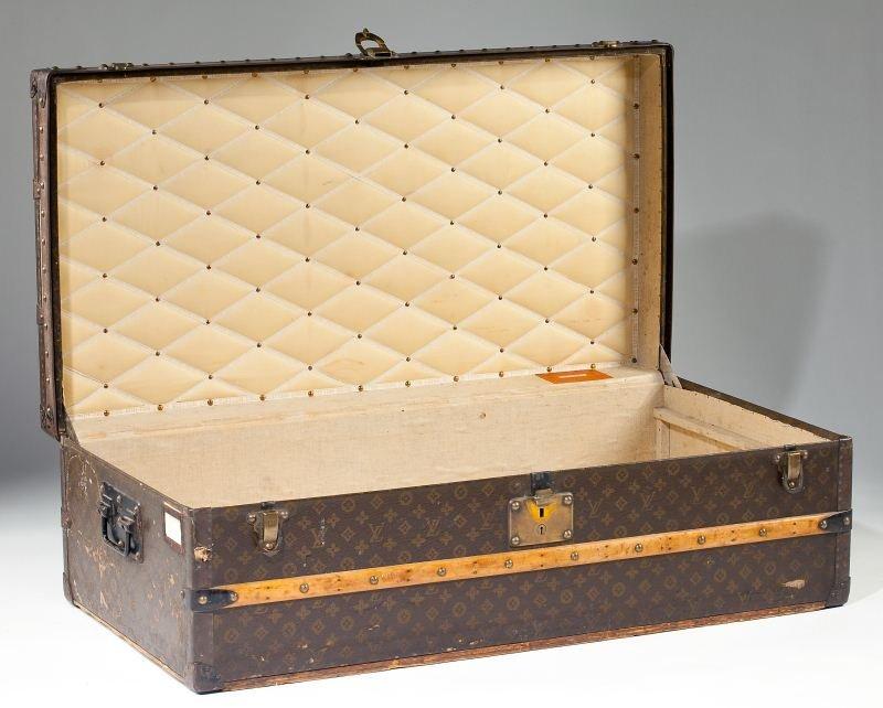 382: Vintage Louis Vuitton Footlocker Trunk - 2
