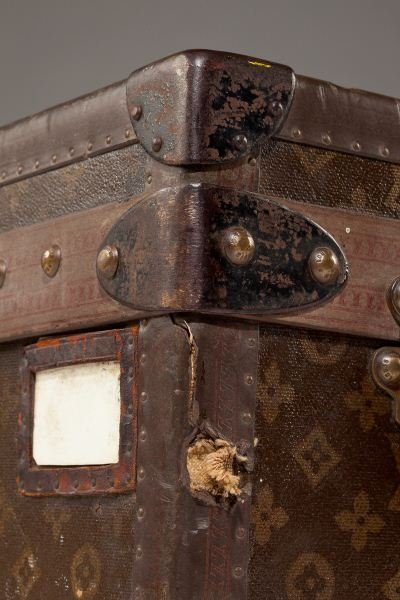 382: Vintage Louis Vuitton Footlocker Trunk - 5