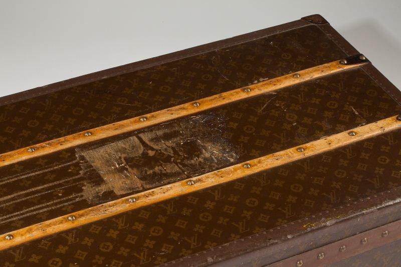 382: Vintage Louis Vuitton Footlocker Trunk - 6