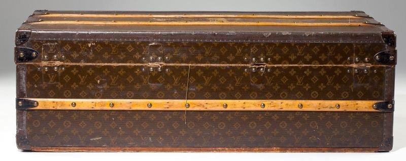382: Vintage Louis Vuitton Footlocker Trunk - 8