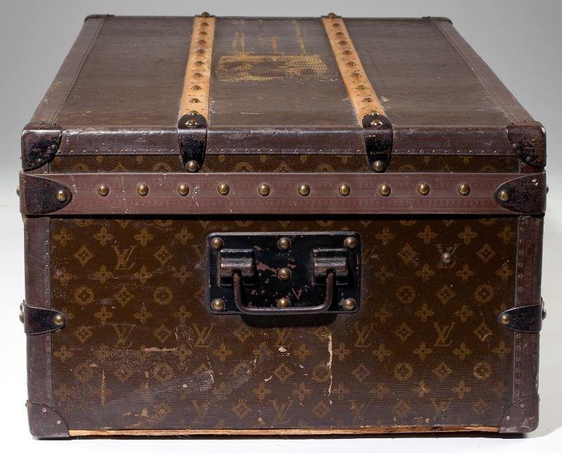 382: Vintage Louis Vuitton Footlocker Trunk - 9