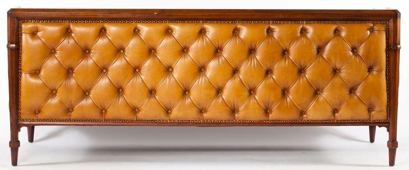 541: Edwardian Style Chesterfield Sofa - 5