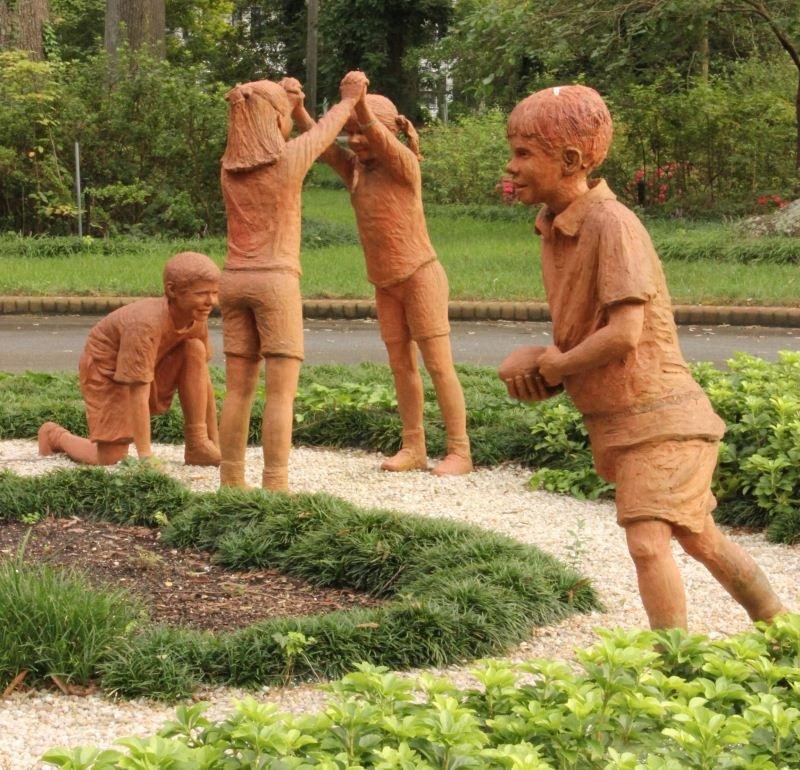 4: Sherrod Barnes-Ginifer (NC & UK), Sculptural Group