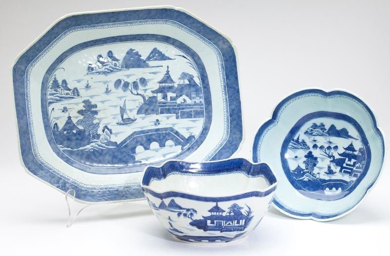 Three Pieces Chinese Export Canton Porcelain