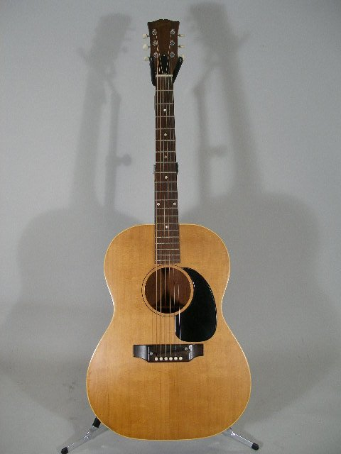 1012: Vintage Gibson Flat Top Guitar, c. mid 1960s,