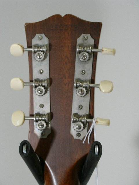 1012: Vintage Gibson Flat Top Guitar, c. mid 1960s, - 7