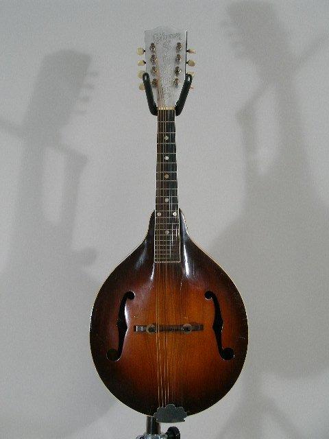 1021: Vintage Gibson A-50 Mandolin, c. mid 1940s,