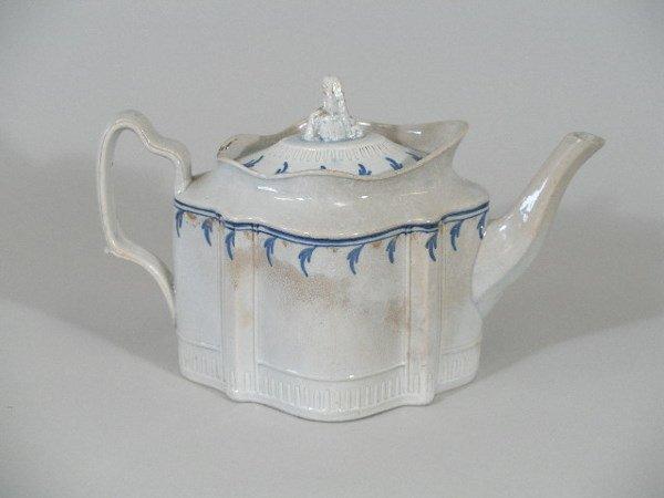 1: Teapot, English, c. 1800,