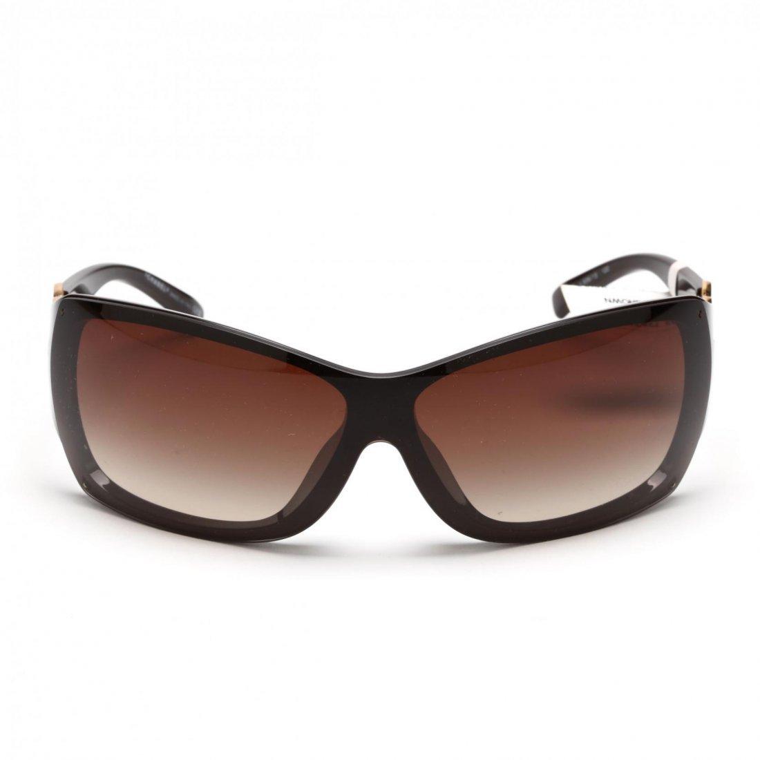 Logo Sunglasses, Chanel - 2