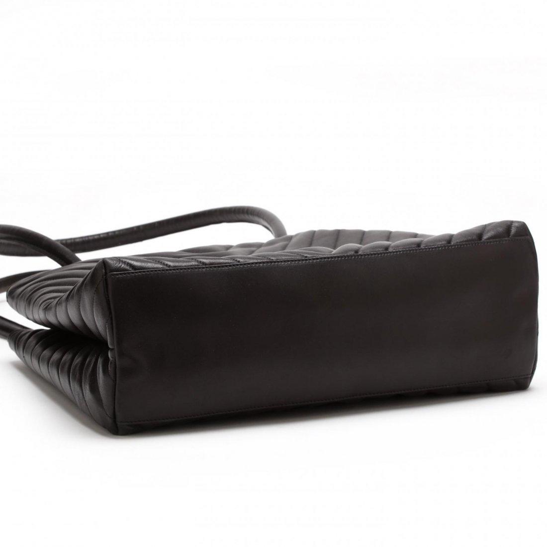 Vintage Lambskin Chevron Handbag, Chanel - 3