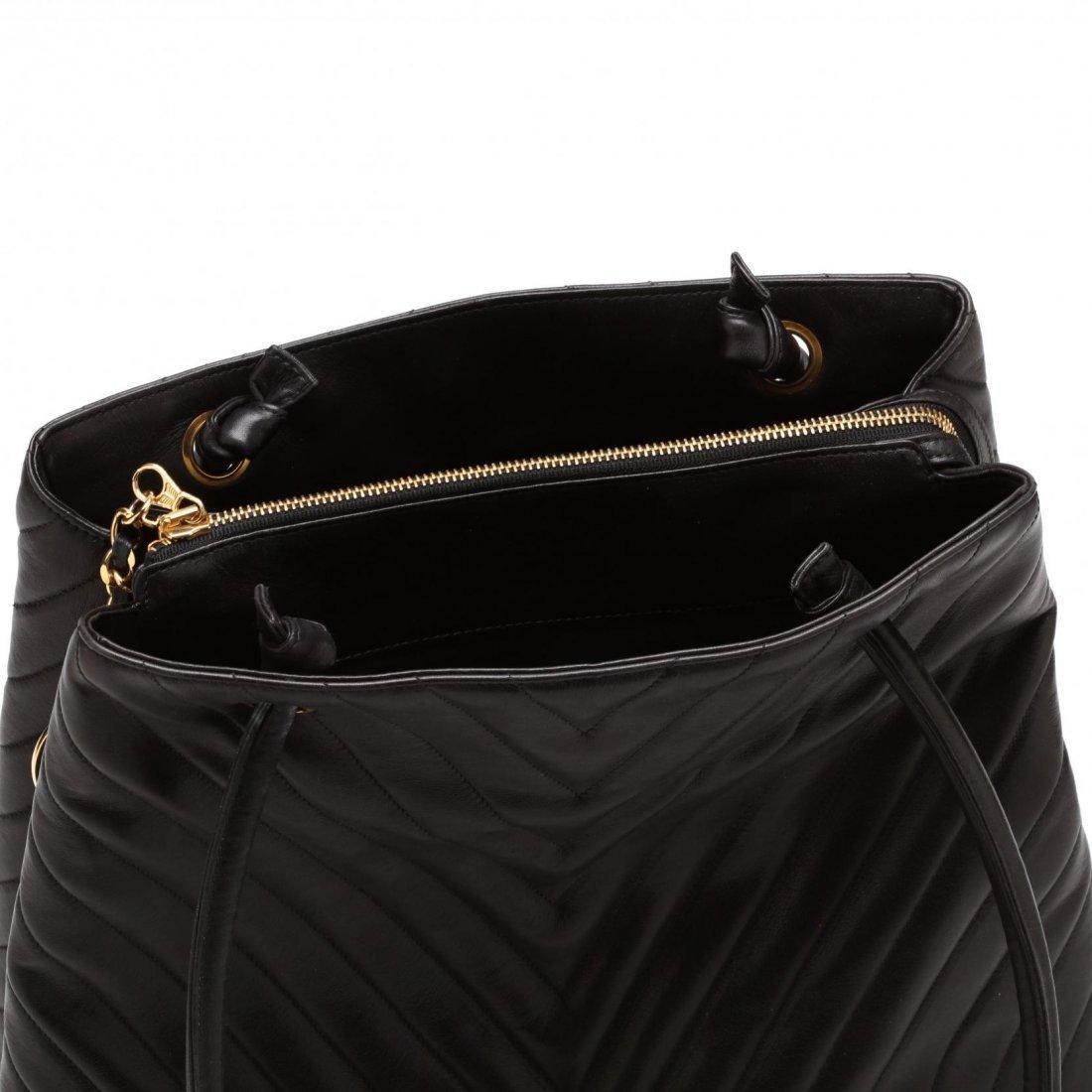 Vintage Lambskin Chevron Handbag, Chanel - 4