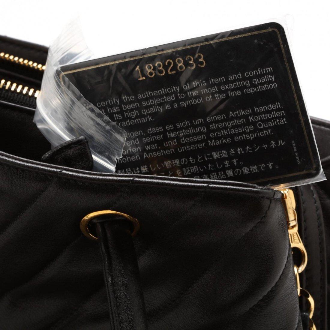 Vintage Lambskin Chevron Handbag, Chanel - 5