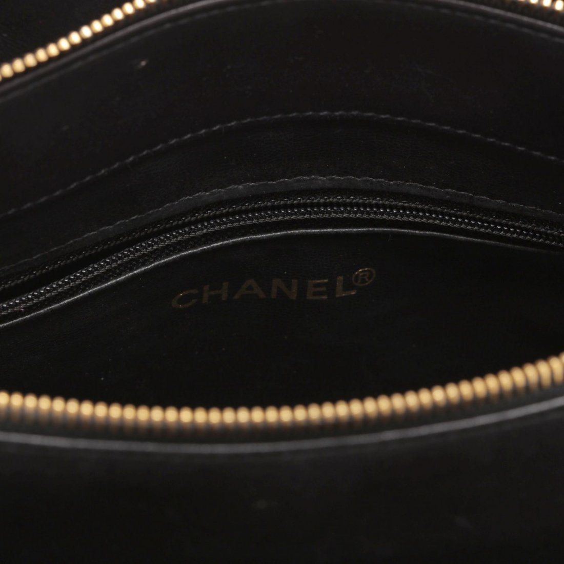Vintage Lambskin Chevron Handbag, Chanel - 6