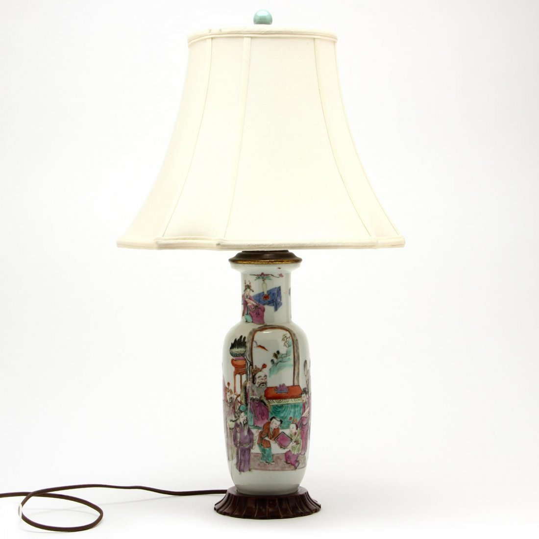 Pair of Chinese Export Porcelain Lamps - 2